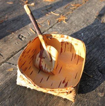 Фотографии к статье Испытание берестяной тарелки, ложки и чашки в походных условиях